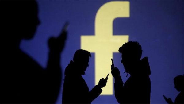 Como excluir fotos do Facebook perfil hackeado